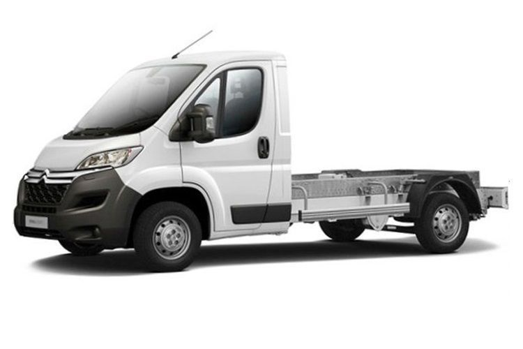 Citroen Relay 35 L3 2.2 BlueHDi FWD 165PS Plus Chassis Double Cab Manual [Start Stop] front view